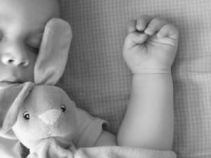 Ruhiger schlaf durch Nasensauger für Babys